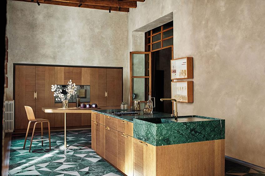 """alt=""""Tre stili diversi in cucina - Cesar cucine - Modello Intarsio - Rovere mediterraneo e Marmo verde Guatemala"""""""