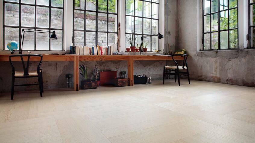 "alt: ""materialiedesign-tendenza-legno-2021-listone-giordano-foxtrot-rovere-montblanc-avorio-parquet-natural-genius72"""