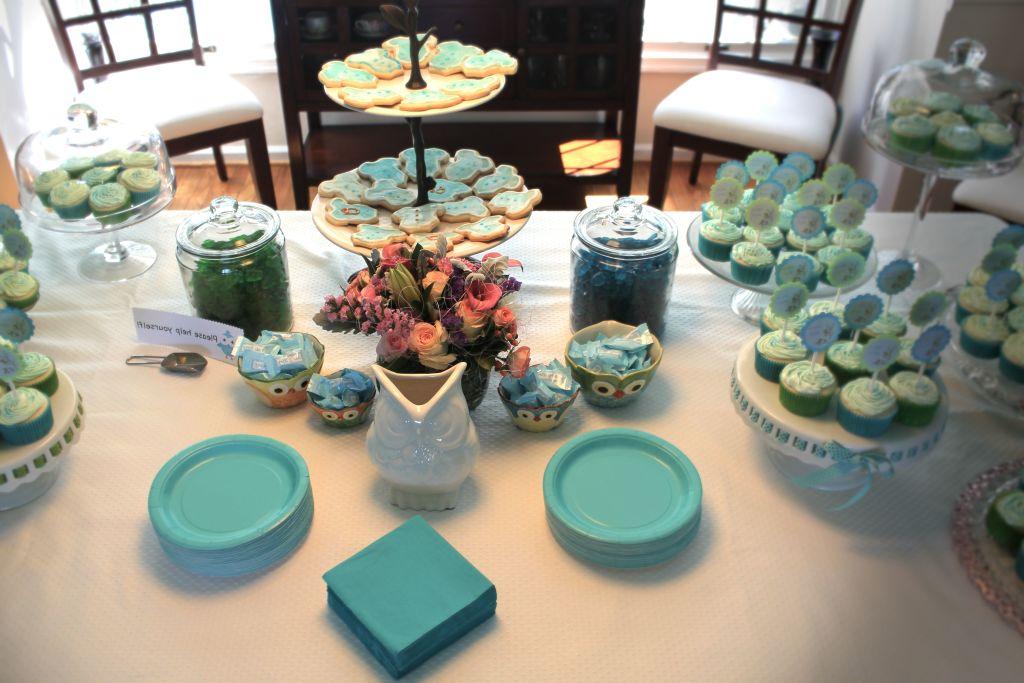 el verde y el azul pueden dar mucho juego a la hora de decorar un baby shower como puede ver en la foto estos dos colores combinan muy bien