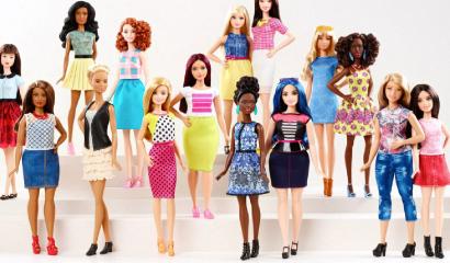 Barbie tiene un nuevo cuerpo, Maternidarks opina.