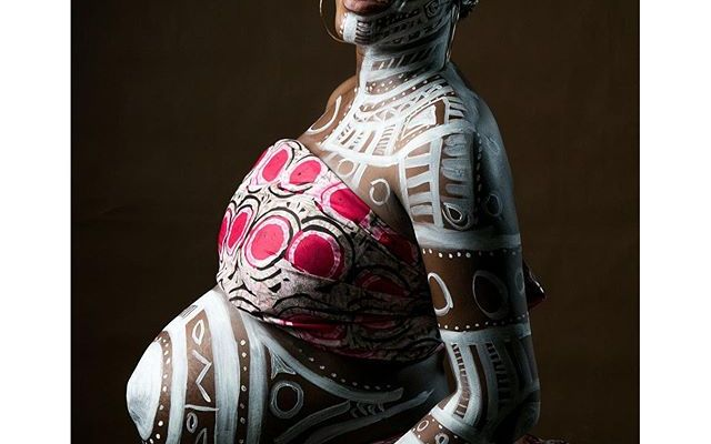 body paint maternity shoot