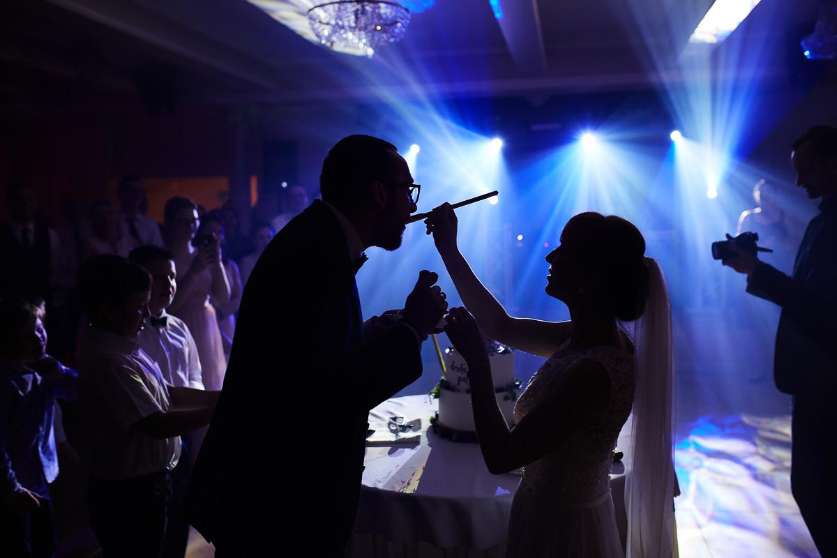 Tort na ślubie