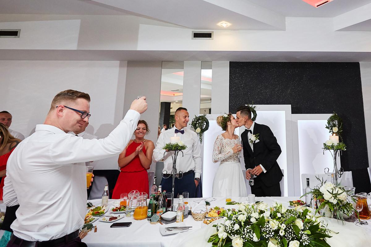 Wesele Atmosfera, fajna sala na wesele, fotografia Mateusz Przybyła, fotograf Pszczyna, fotograf Śląsk