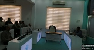 جامعة الكوفة تعقد حلقة نقاش حول تطبيقات الهندسة المطاطية الجبرية