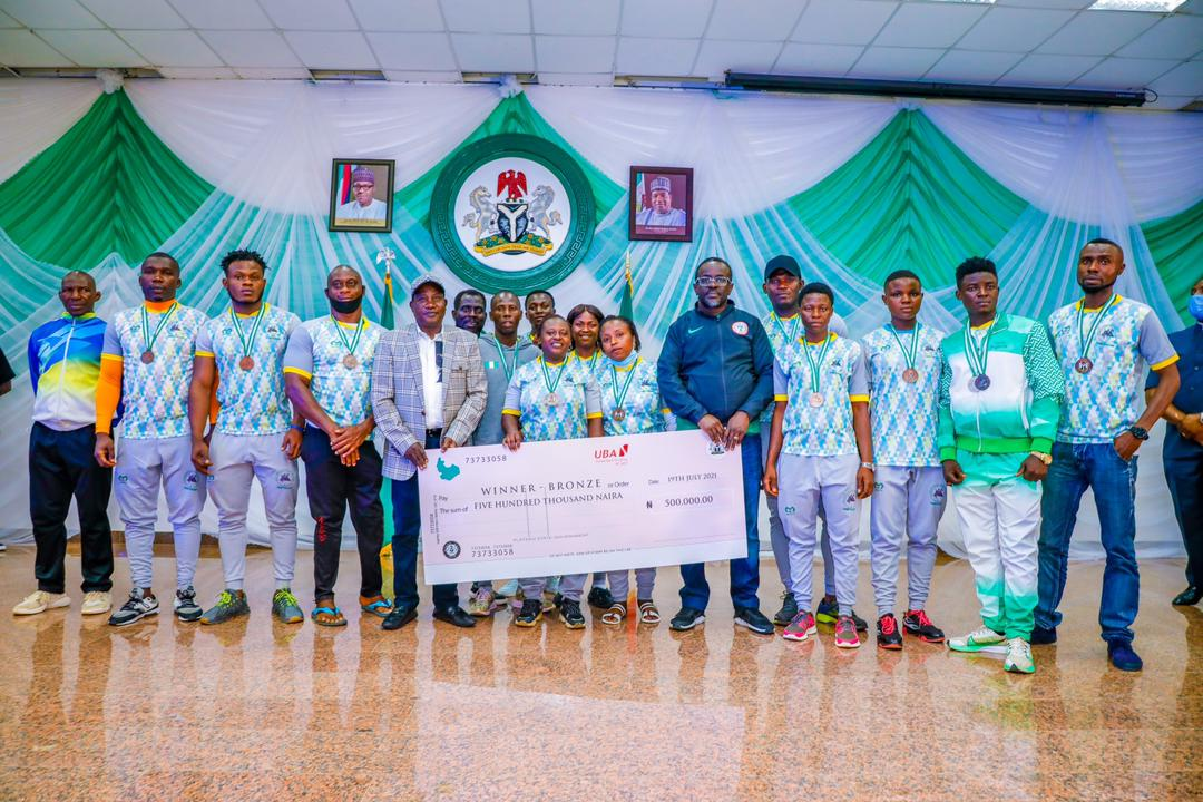 all gold medalists will receive the sum of 1 million Naira each