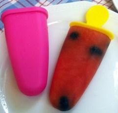 Wassermelonen-Eis mit Blaubeeren