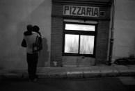 couple panier at night