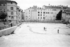 kids running in Plaza Panier