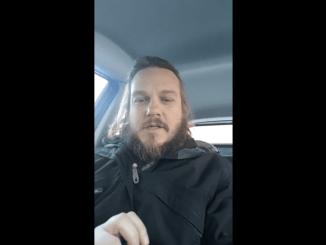 Mathieu Binette propose une manière efficace pour éliminer le voile islamique