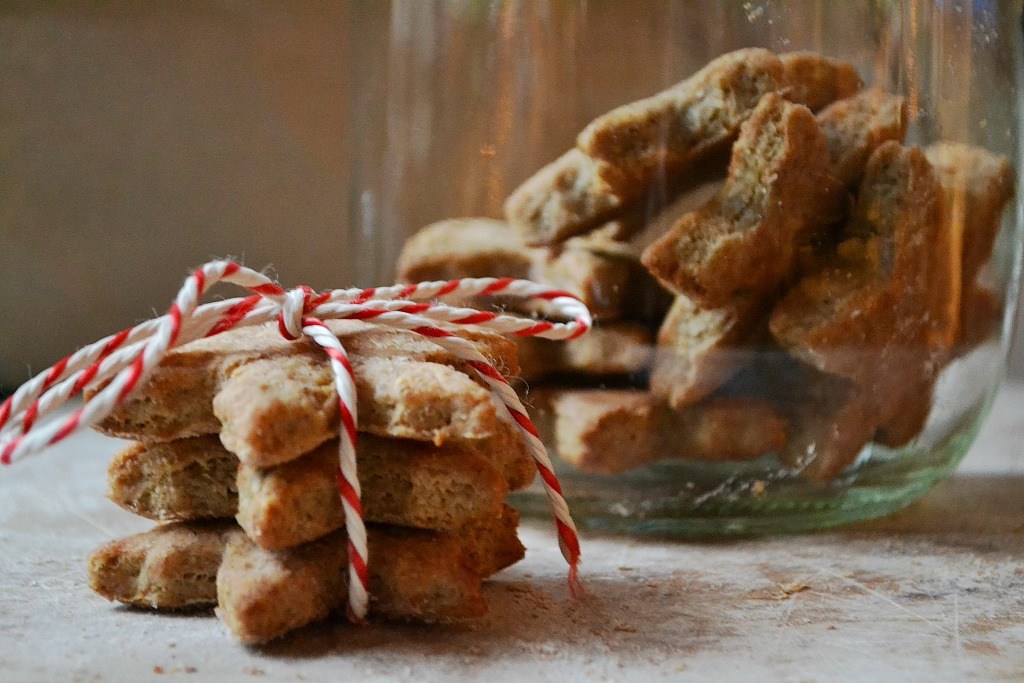 Diy Homemade Christmas Dog Biscuits