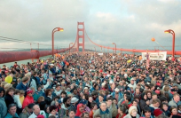 Figure 1: Golden Gate Bridge Arc Flattened By People.