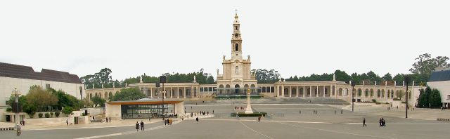 Figure 4: Fatima Basilica. (Wikipedia)