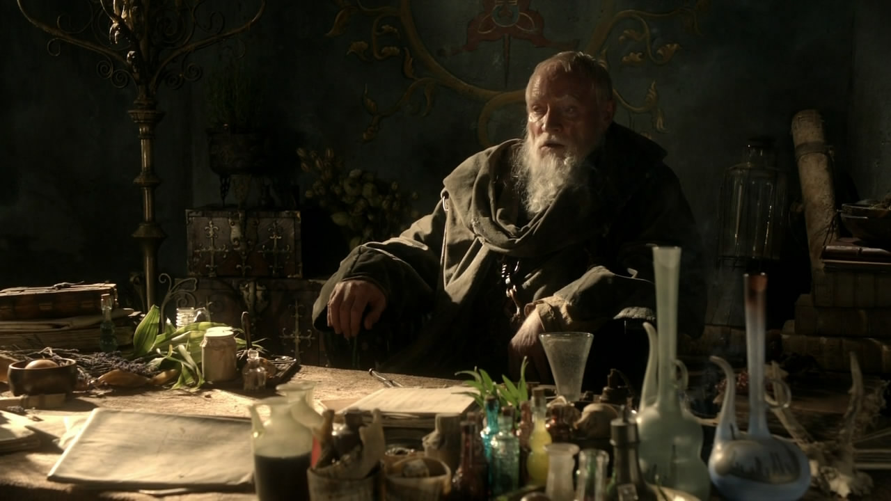 Maester Pycelle with his chain