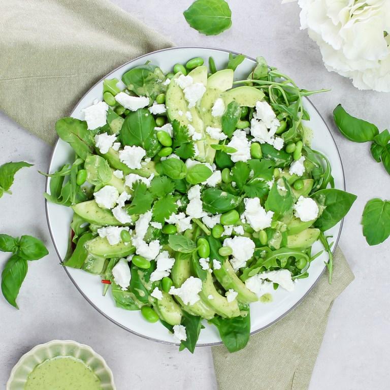 Salat med edamame, avokado og chèvre