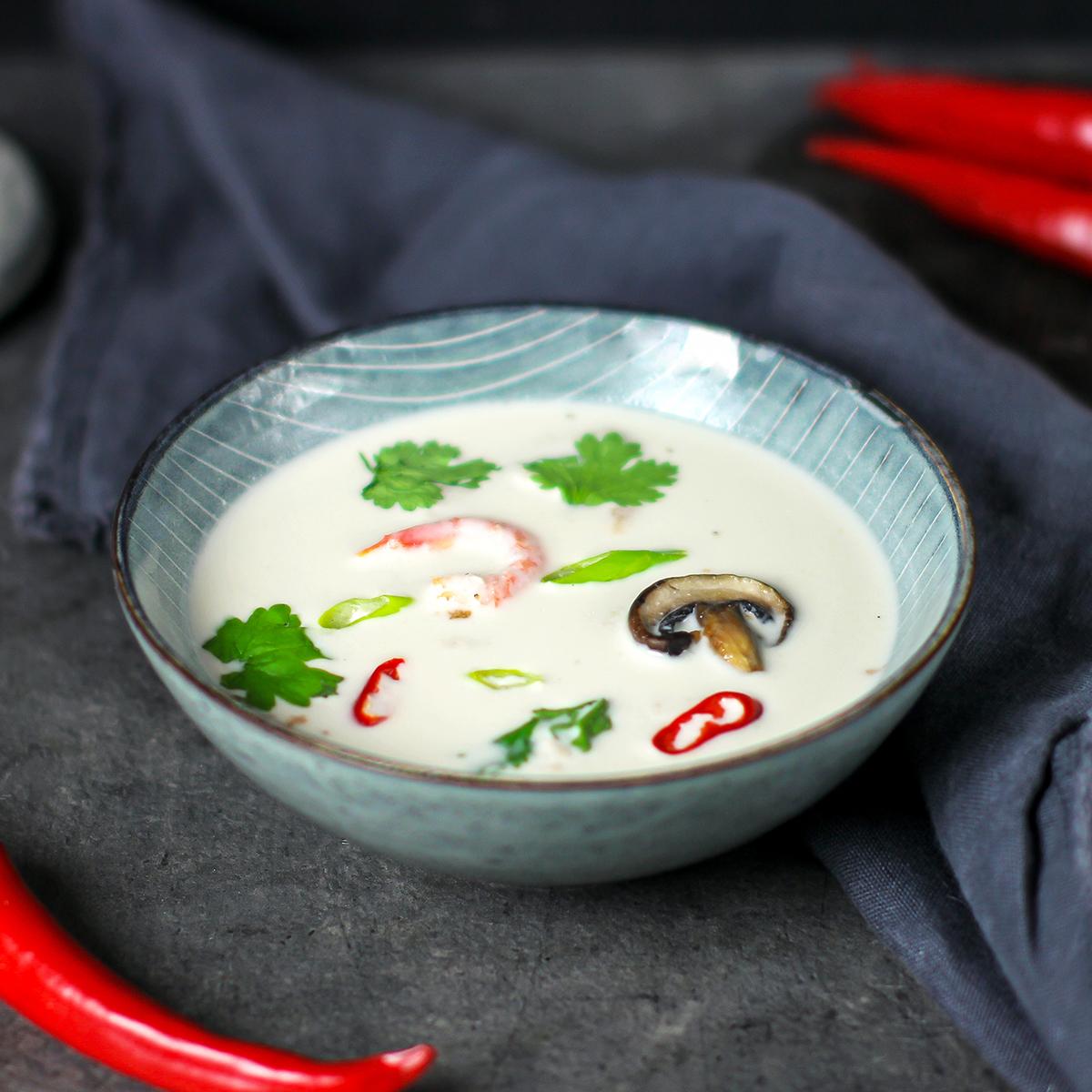 kremet fiskesuppe med smak av thailand