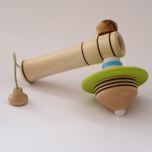 toupie-spin-jonglage-et-1-lanceur-5-matoupie-jean-pierre-de-siebenthal-artisan-local-faiseur-de-toupies-fabrication-suisse