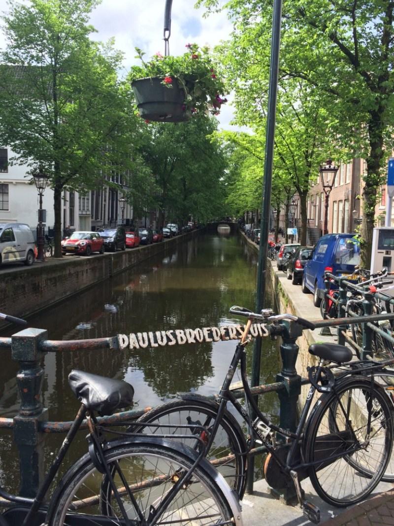 Râul Amstel, o emblemă a Amsterdamului