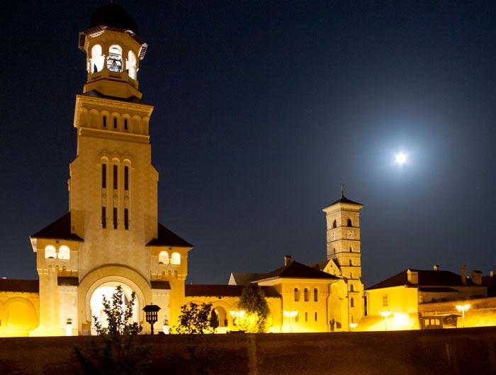 Catedrala Reîntregirii, simbol peste timp al unităţii românilor