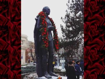 Omagiu ziua lui Mihai Eminescu elevi Liceul Pedagogic Anastasia Popescu slider