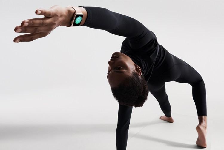 Apple-Watch-Series4_yoga_09122018