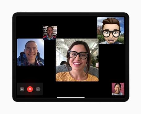iPad-Pro_group-FaceTime_10302018
