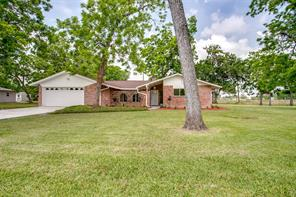 Property for sale at 2 Sherwood Drive, Clute,  Texas 77531