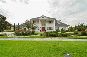 Property for sale at 2711 Country Club Drive, Pearland,  Texas 77581