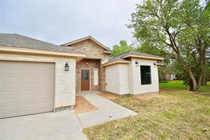 Property for sale at 106 Lillian Drive, West Columbia,  Texas 77486