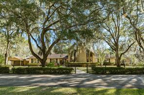 Property for sale at 2118 Sugar Mill Lane, Lake Jackson,  Texas 77566