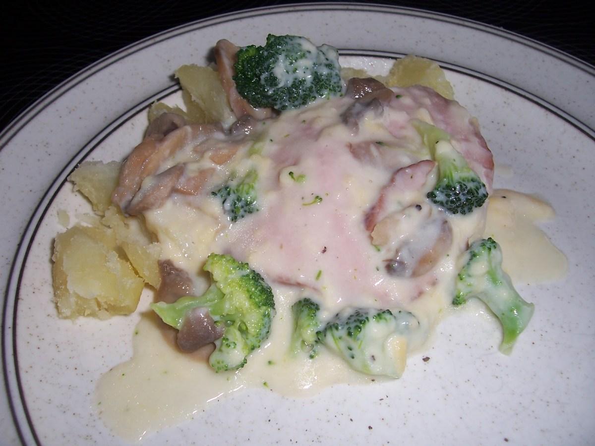 Ugnskassler med champinjoner & broccoli i ostsås