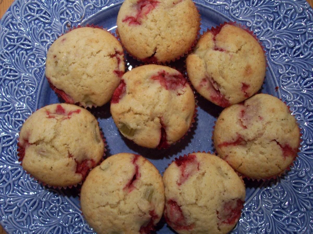 Rabarber- och jordgubbsmuffins