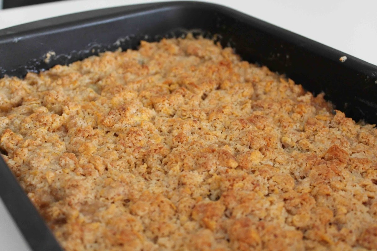 Glutenfri Cornflakespaj med rabarber
