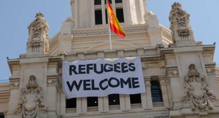 Carmena consigue que Cifuentes admita niños refugiados para ser operados o tratados en Madrid