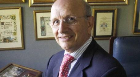 Dimite el presidente de la enfermería española tras 30 años en el cargo