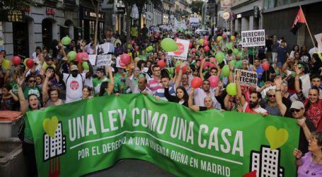Miles de personas se manifiestan en Madrid por el derecho a una vivienda digna