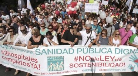 """Miles de manifiestantes piden en Granada """"una sanidad pública y digna"""""""
