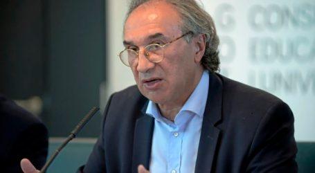 """Docentes interinos impugnan las oposiciones en Educación por """"fraude de ley"""""""