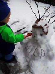 Erste-Erfahrungen-mit-Schnee