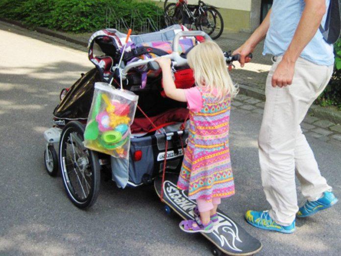 Skateboard als Buggyboard-Ersatz