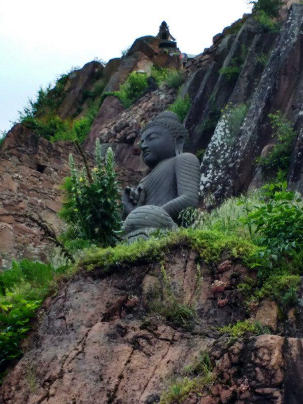 Buddhismus-in-Südtirol-auf-Sigmundskron-Bozen