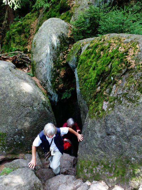 Weg durch die Felsen