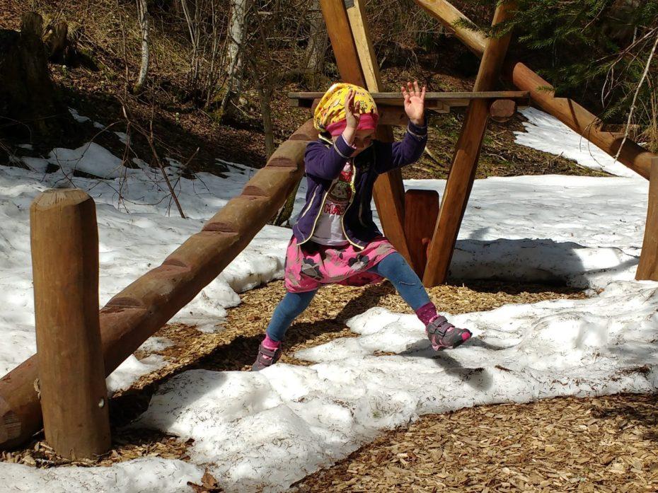 Pedided Schuhe für aktive Mädchen im Frühling matschbar