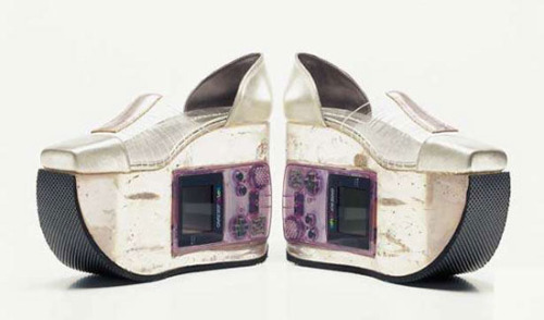 the-gameboy-shoe