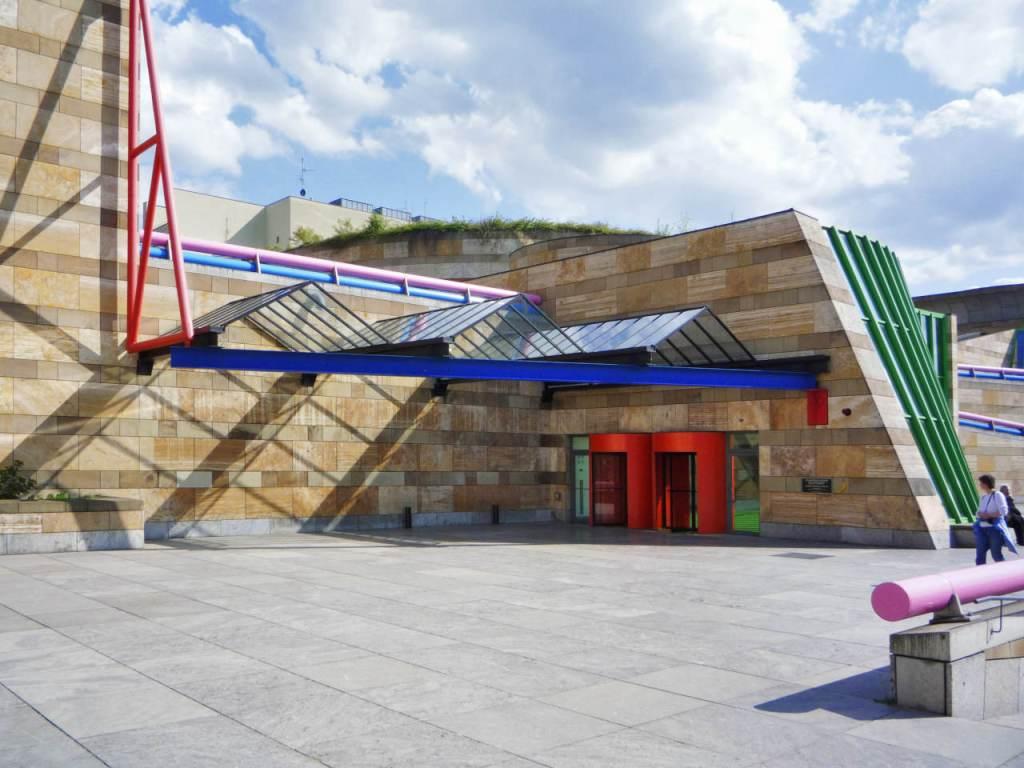 シュトゥットガルト国立美術館、新館正面入り口、2020.07.04 ©Stuttgart Staatsgalerie