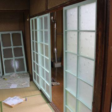 【DIY】ATAATA HOUSE建設始まりました。まずはペンキ塗り。