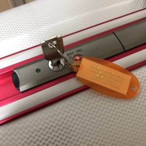 スーツケースのカギ作成