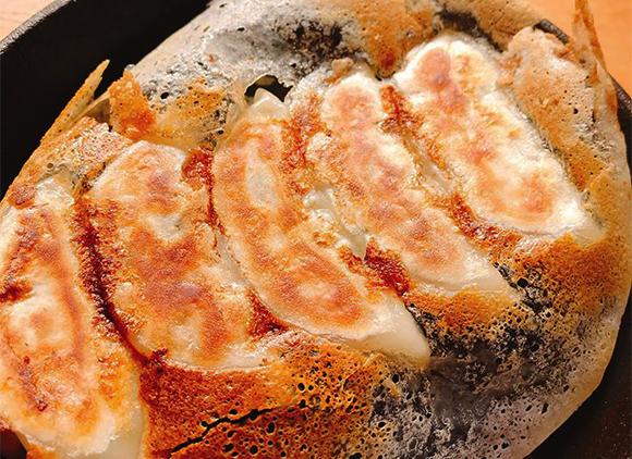 餃子には、お肉と一緒に愛情が詰まっています♡