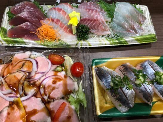 刺し身、ローストビーフサラダ、寿司