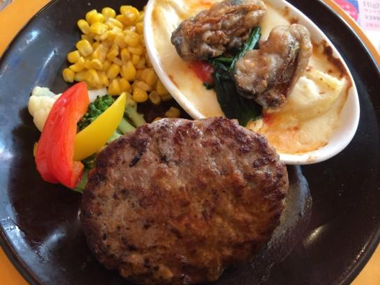 ハンバーグと牡蠣