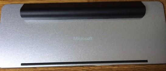 マイクロソフト ワイヤレス Bluetooth キーボード Wedge Mobile Keyboardの裏面